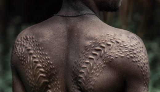 パプアニューギニア、クロコダイルマン・ワニ男は一人前の証!セピック川流域成人儀式2